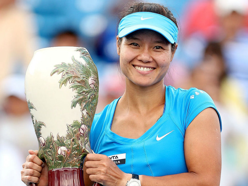 Li Na Wins Women's, Roger Federer wins Men's Western & Southern Open